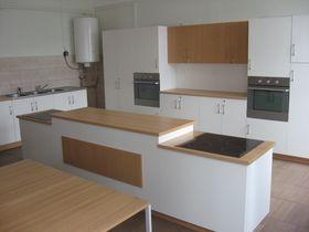 2010/2011: tanulói konyha (átadása 2011. szeptemberében).